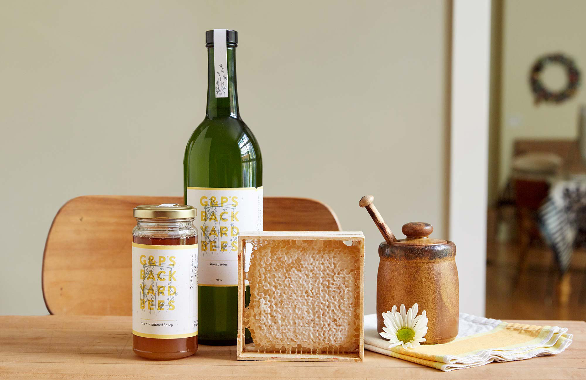 Honey jar and honey wine packaging